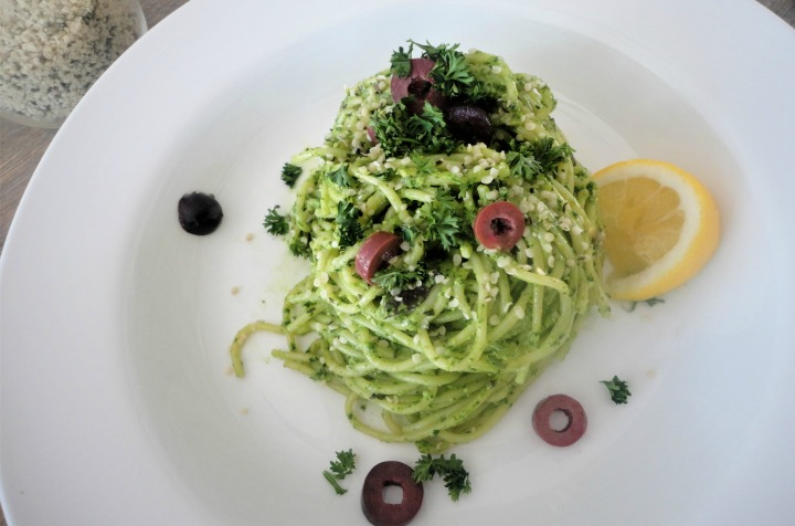 Parsley, lemon & olive pesto