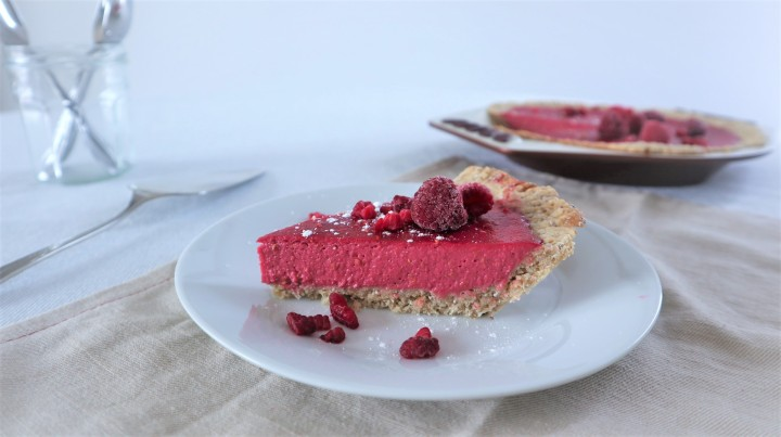 Vegan rasberry mousse pie